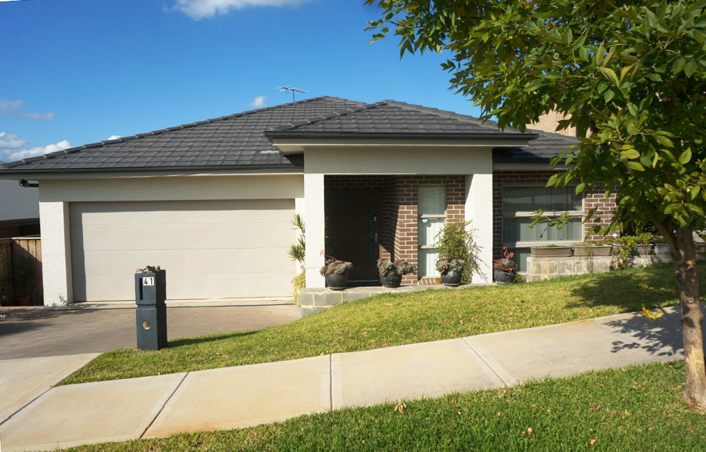 41 Oakhill Cres Colobee NSW 2761